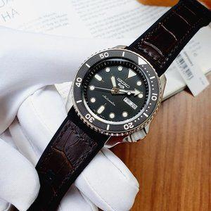 Seiko Black Steel Professional Leather Watch!